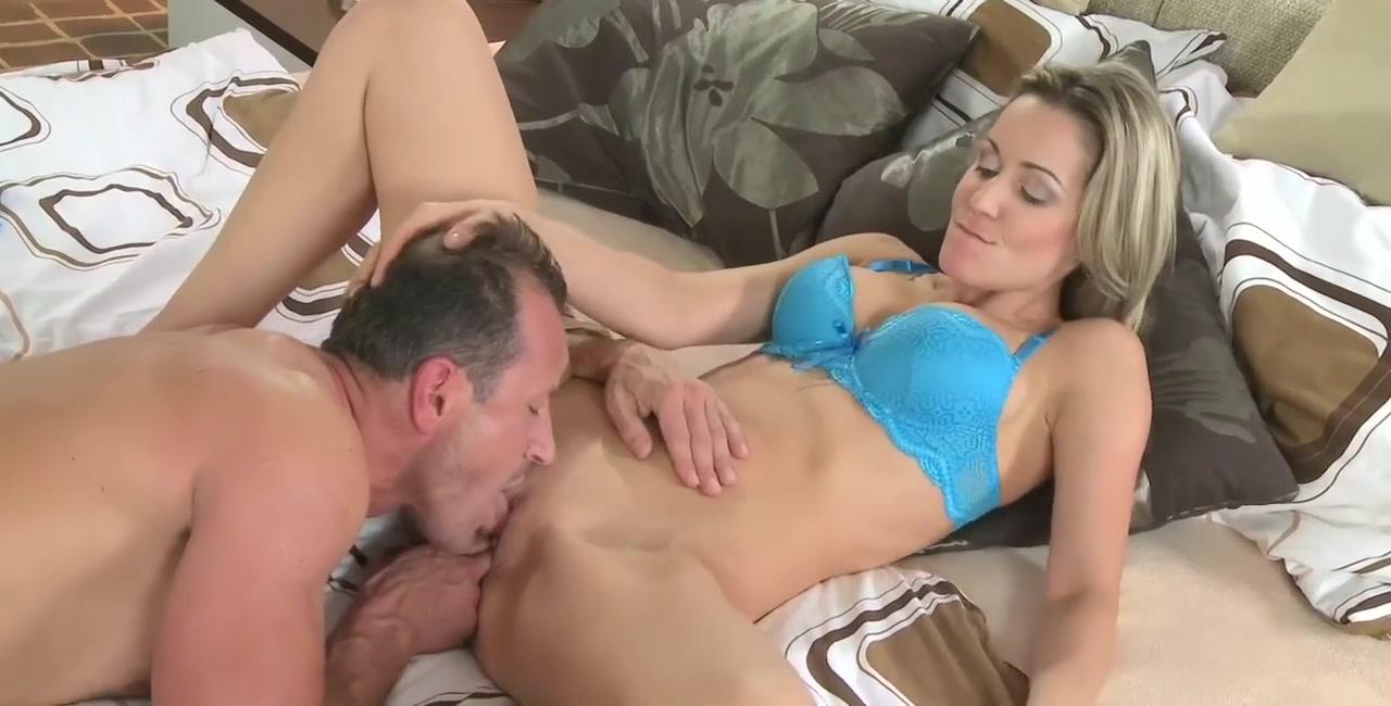Sexy xXx Base pix Sonam kapoor strip down pussy