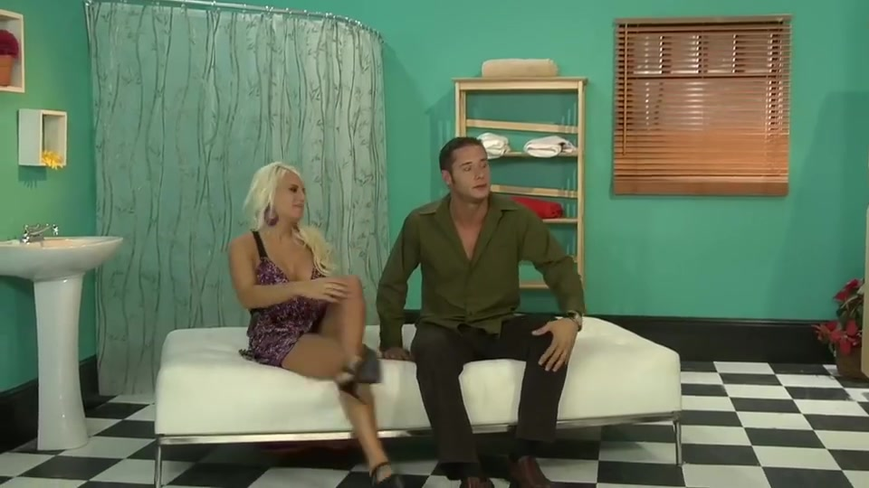 Platinated blonde with big boobs Tranny big cock movies clip