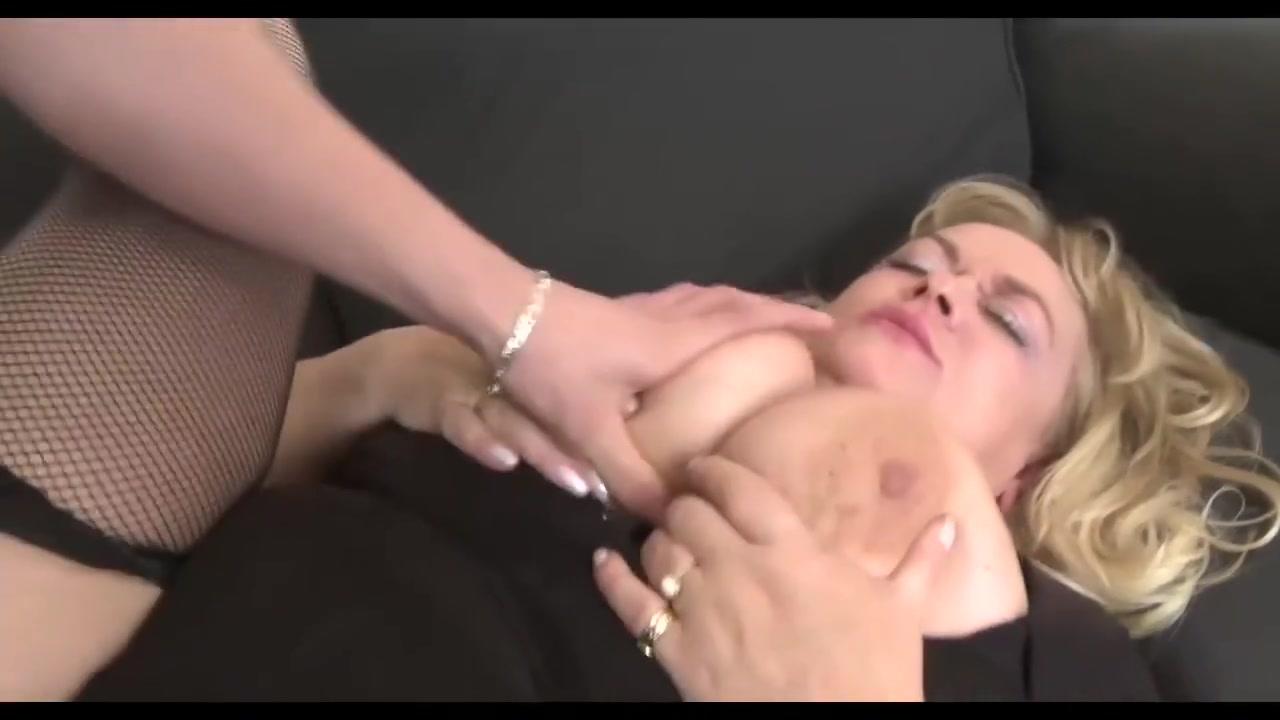 using a vagina sucker Naked Porn tube