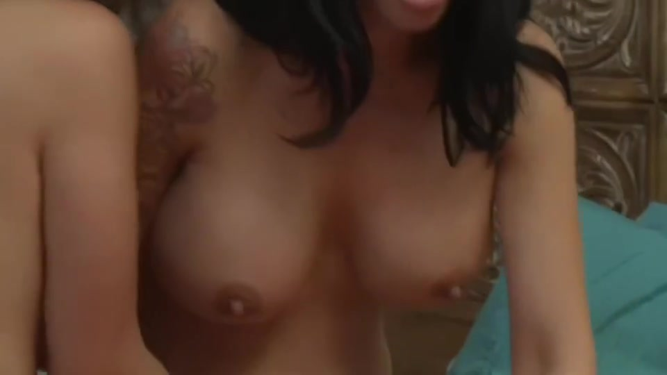 Sexe Piercings porno lesbiian