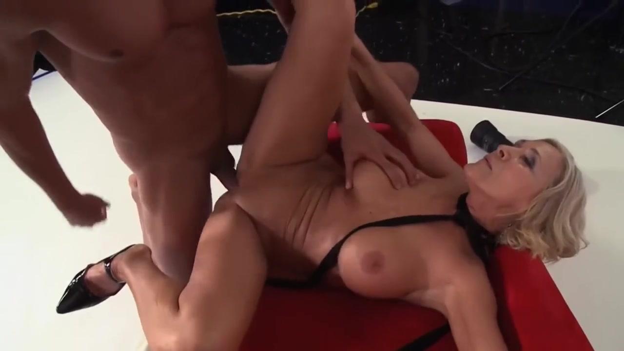 Porn tube Mindy maine cumshot
