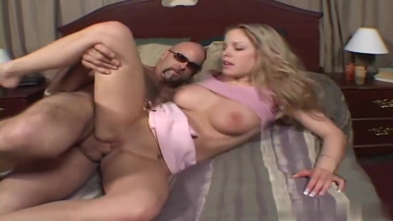 Hot xXx Video Guy moving too fast in a relationship