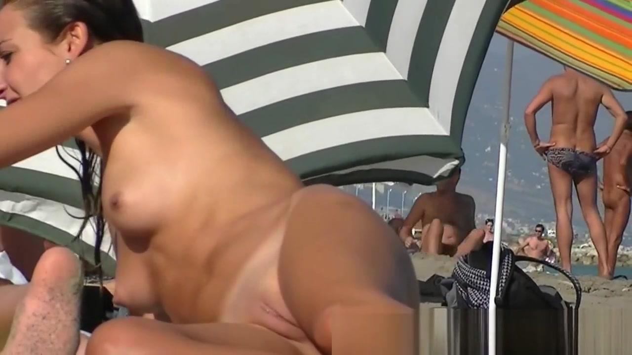Naked FuckBook Milf hairdresser spy sexy ass