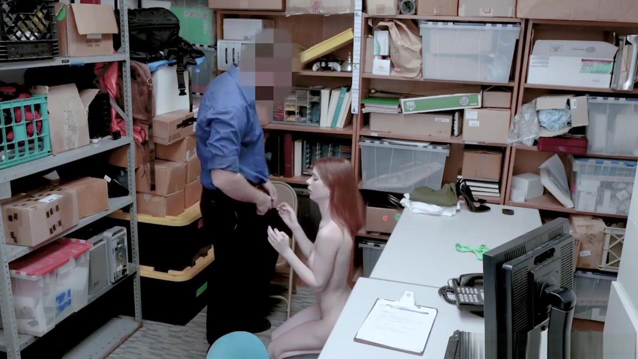 Nude Photo Galleries Vs model breast implants