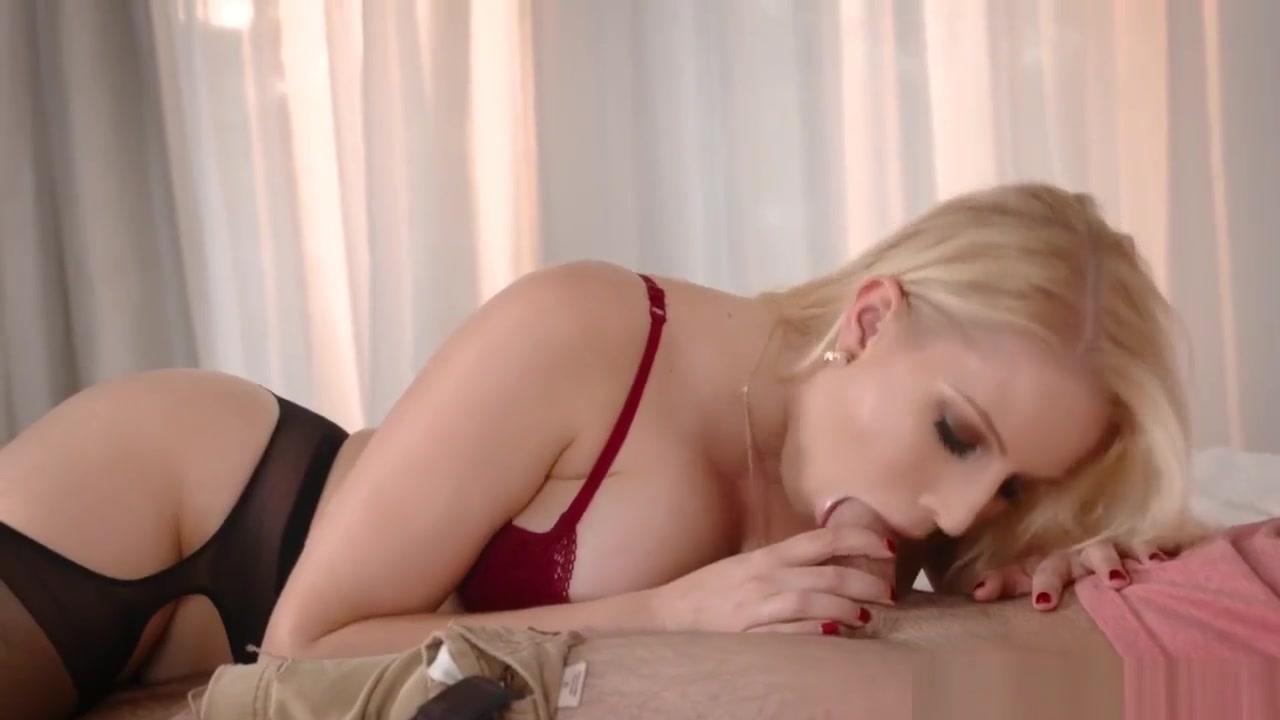 Gorgeous girl masturbation on webcam Adult Videos