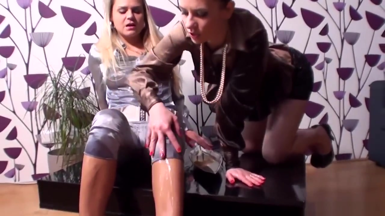 Lesbiana sexo masturbatian Showed