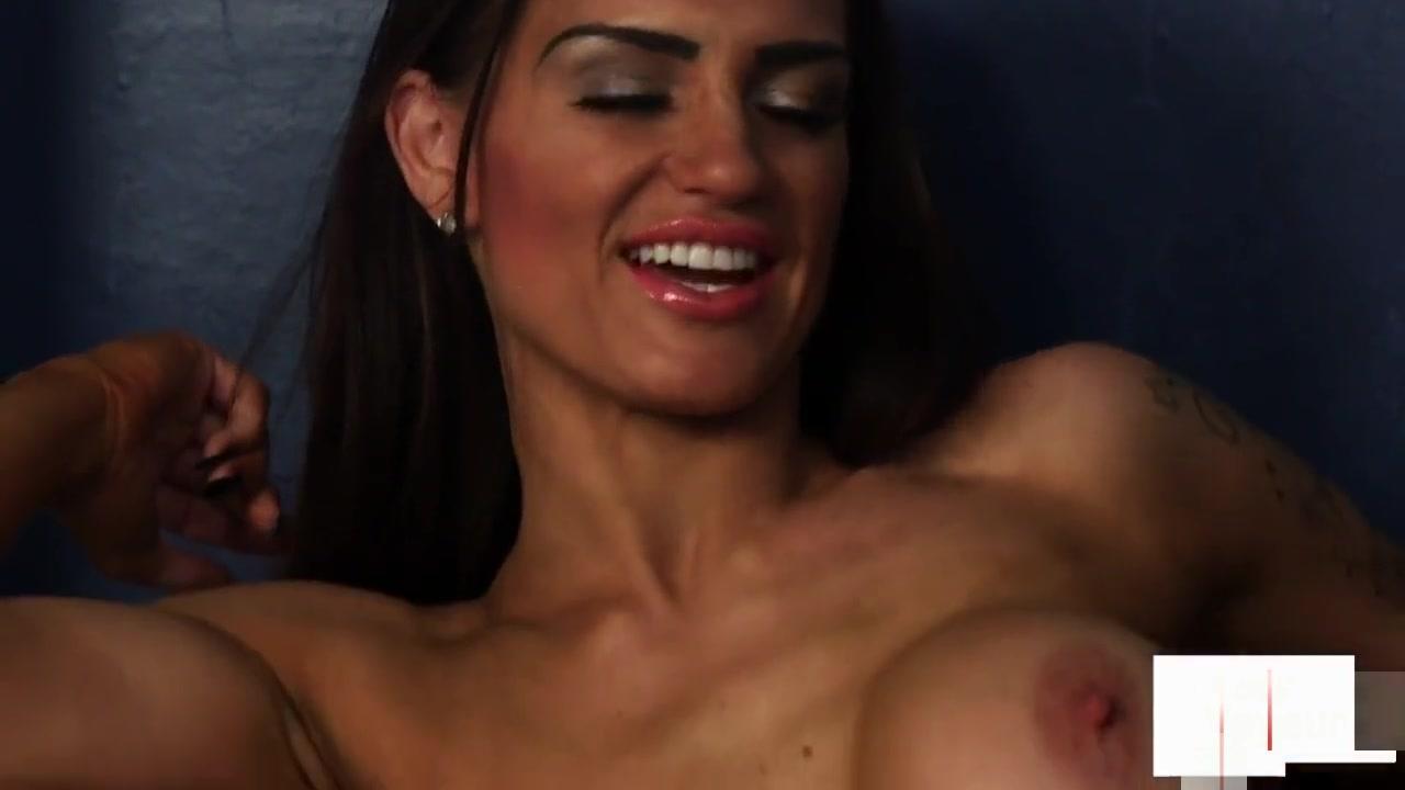 Porn pic Horny busty milf