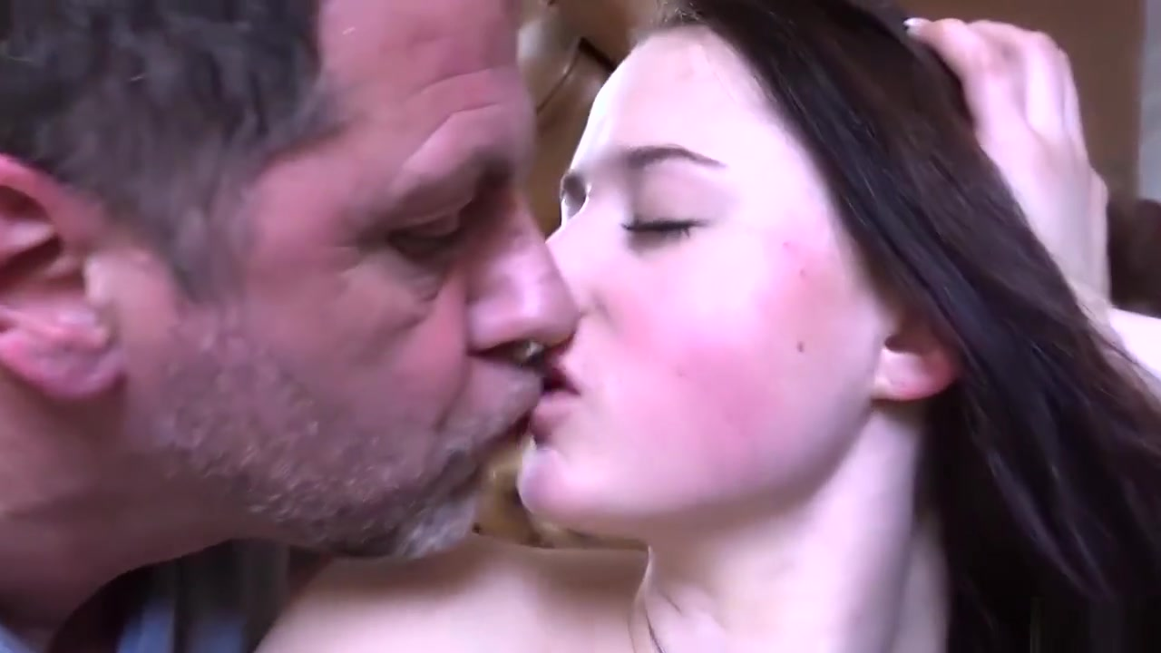 Good Video 18+ Huge dick in thight pussy