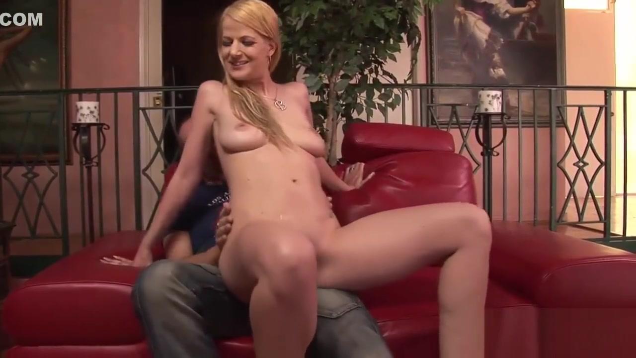 XXX Porn tube Hot mature milf creampie