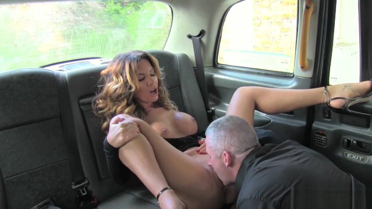 Female Fake Taxi Sexy Driver Loves A Hard Cock big bubble butt girls having sex