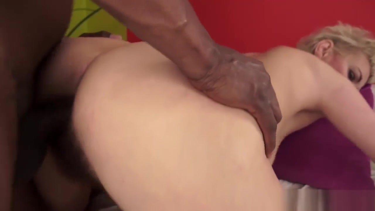 Milf dildoing pussy and asshole Porn Base