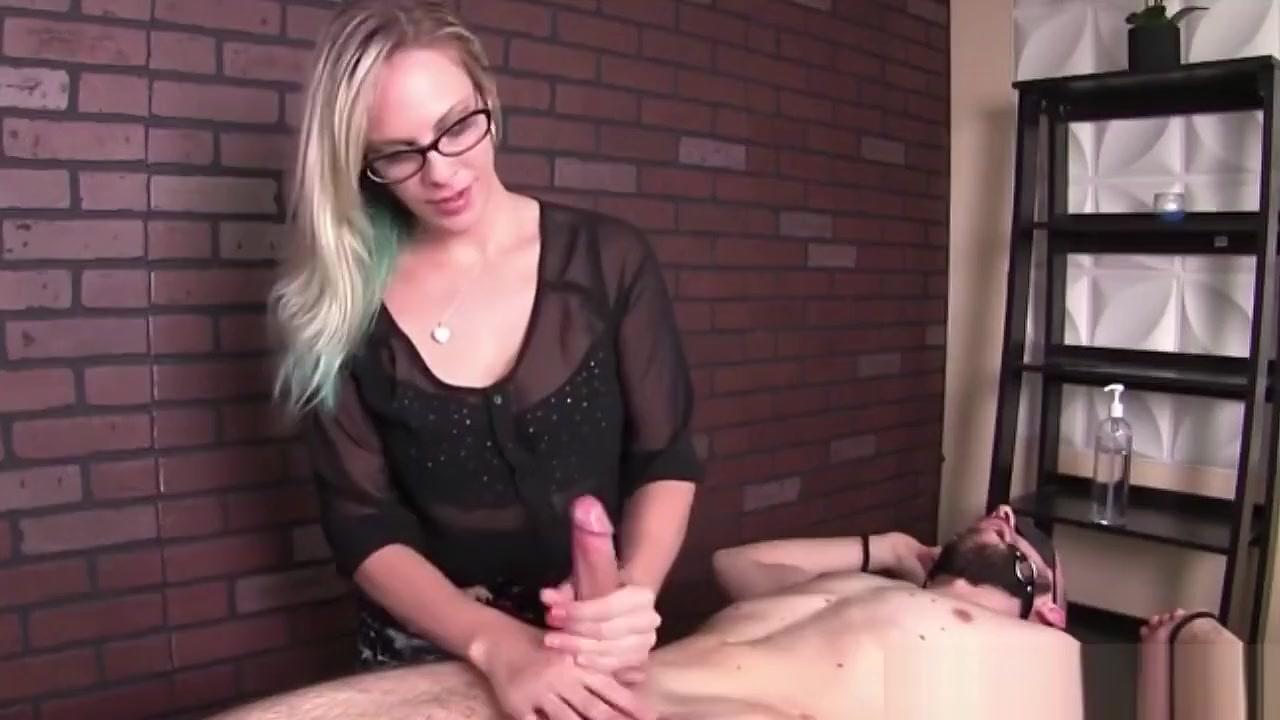 Sexy xxx video Femdom ball bust video