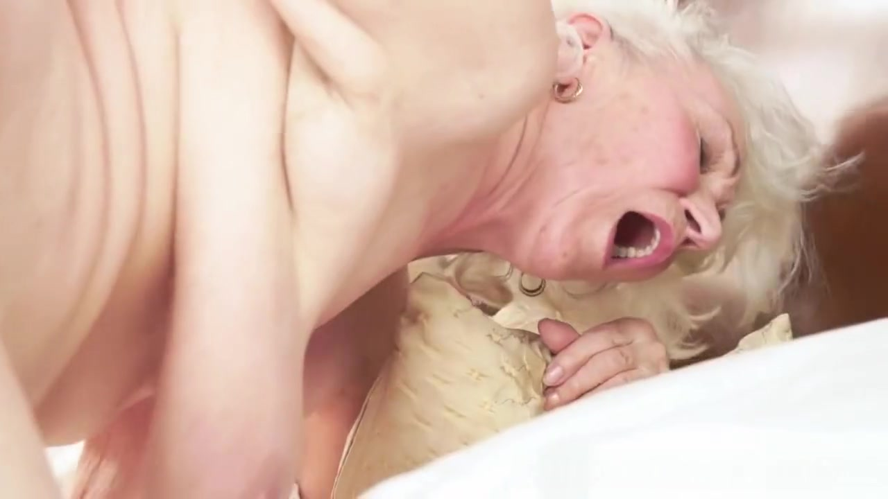 Darlington milf Porn Base