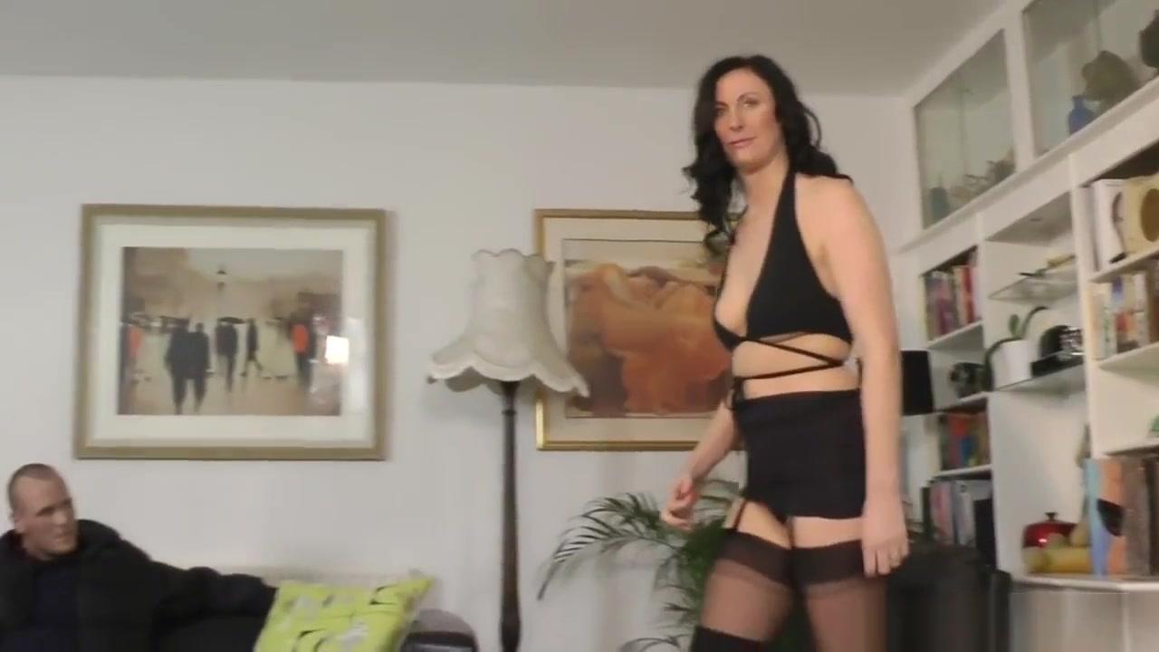 Mature slut pissing panties Porn tube