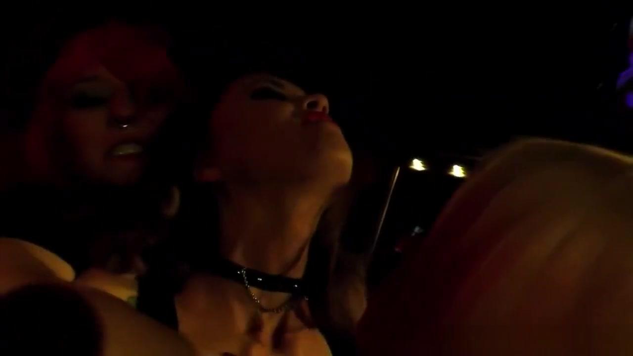 Vide Lesbiyen fuckin orgey
