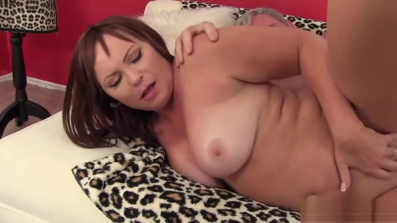 Porno photo Juliya in slut left all alone