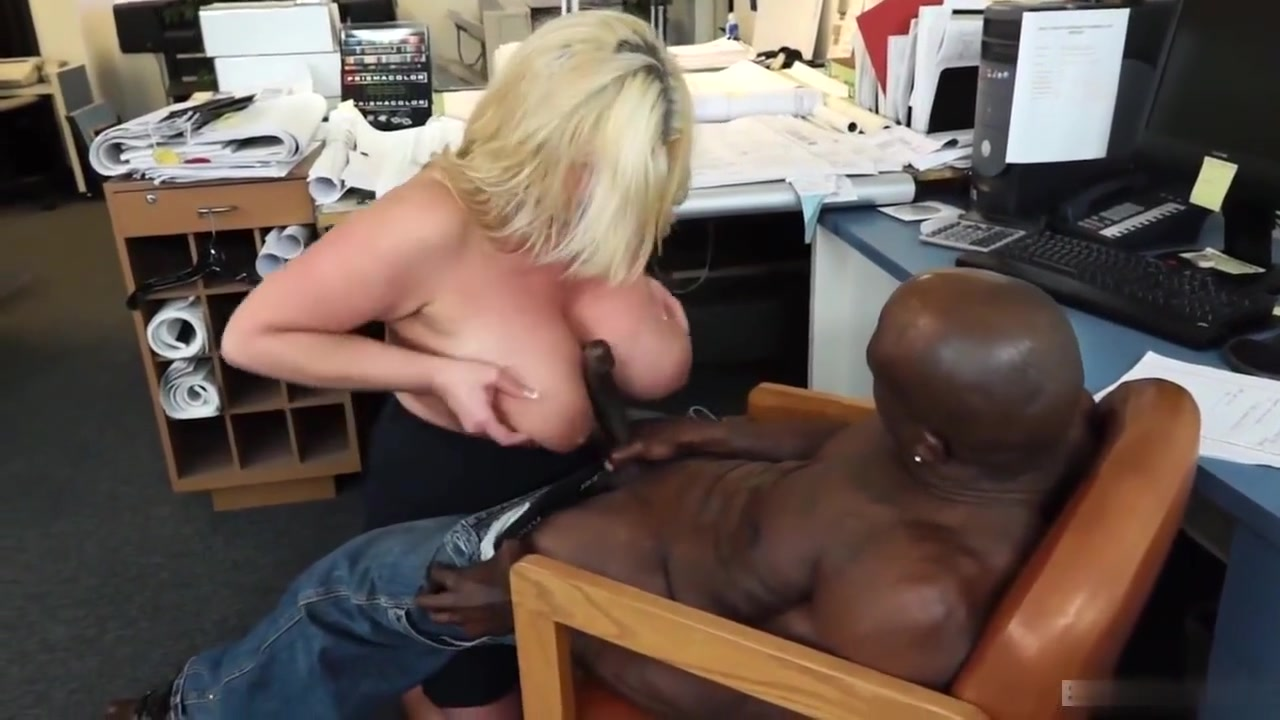 Zoey Andrews Is Usually Banging The Boss This Time Of... I fuck a milf