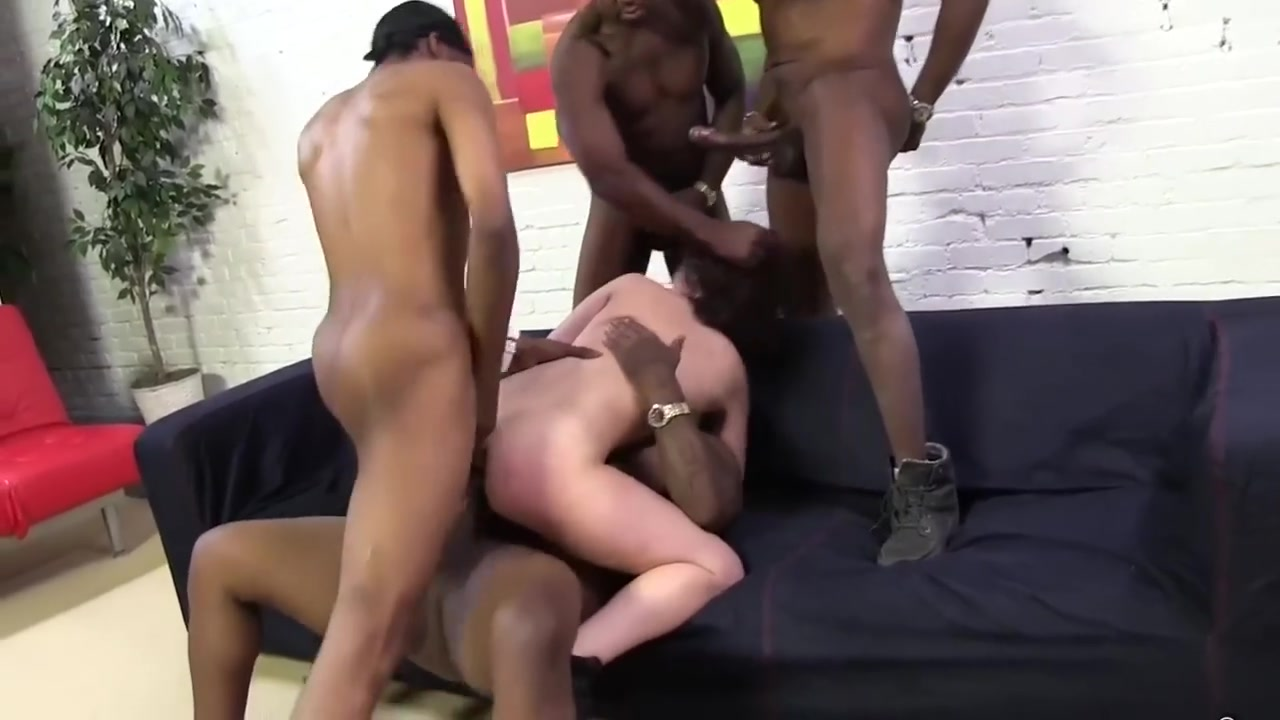 Porn pictures Mature gangbang with pee and without limits