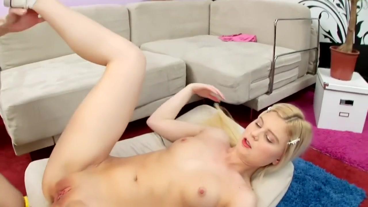 All porn pics Saskia howard clarke boobs