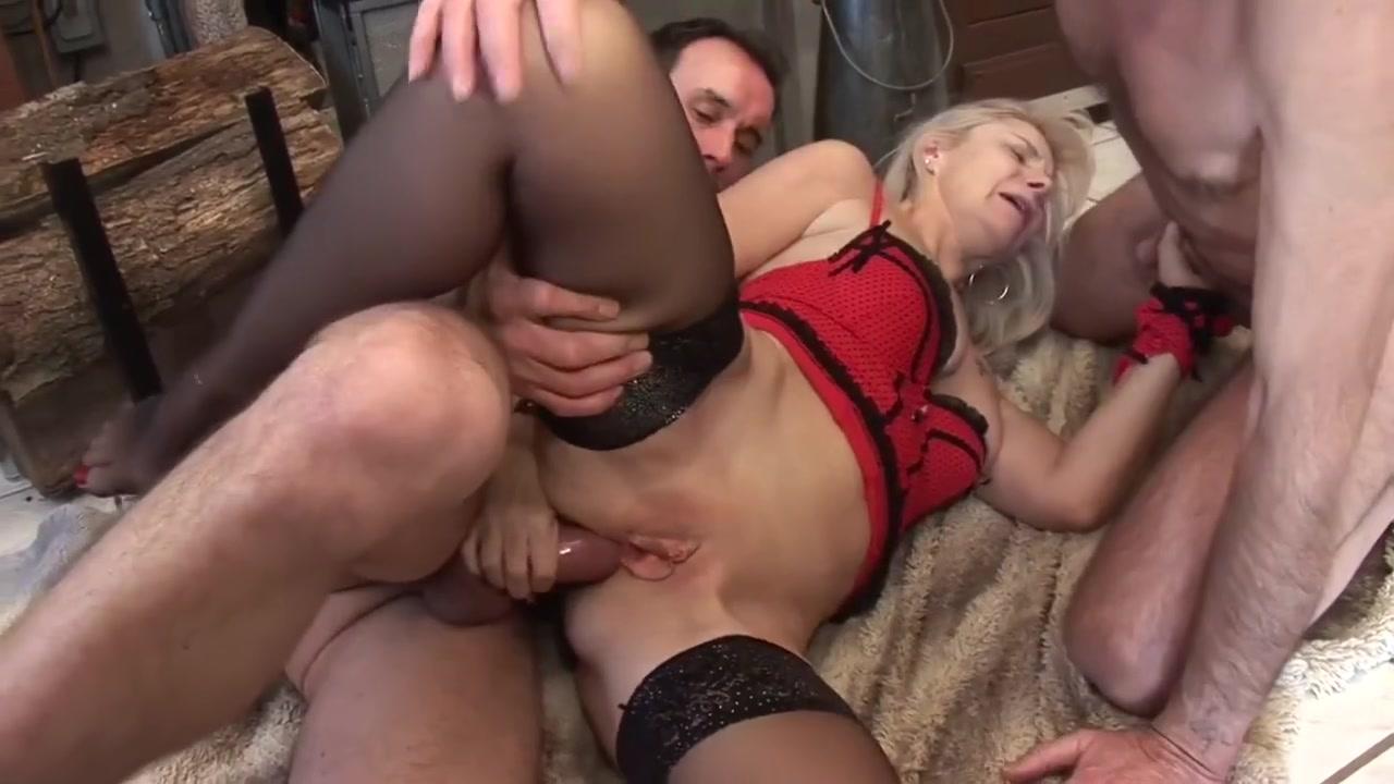Porn galleries Latina blowjob porn