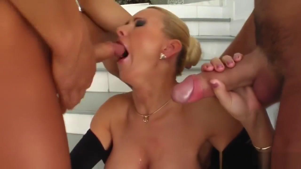 xXx Videos Milf has squirting orgasm