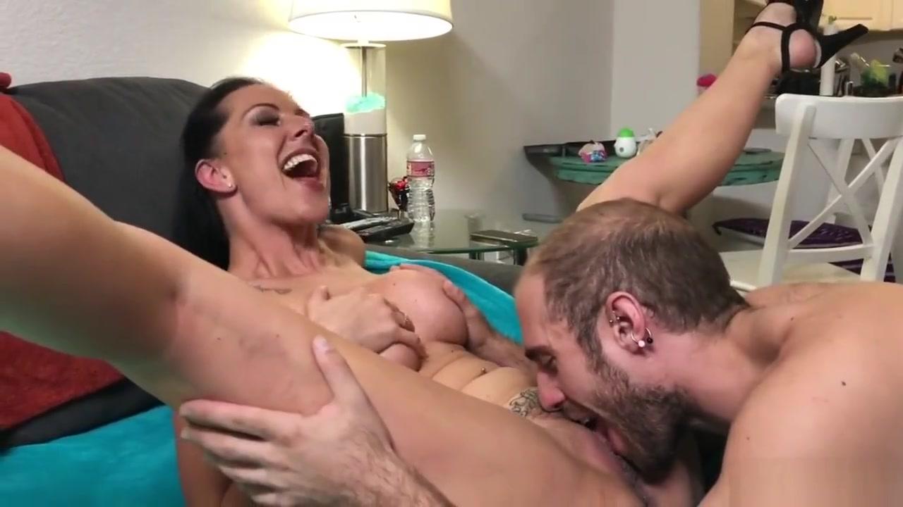 Creampie for German MILF Texas Patti sex in gym porn