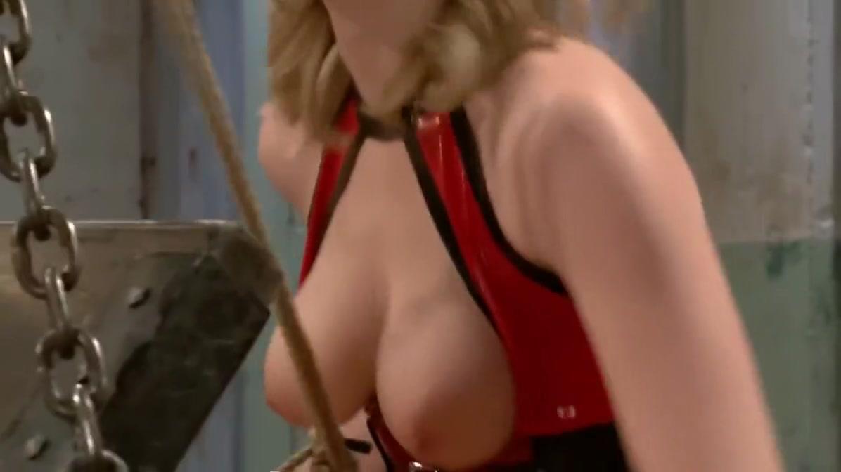 pretty women undressing Nude 18+