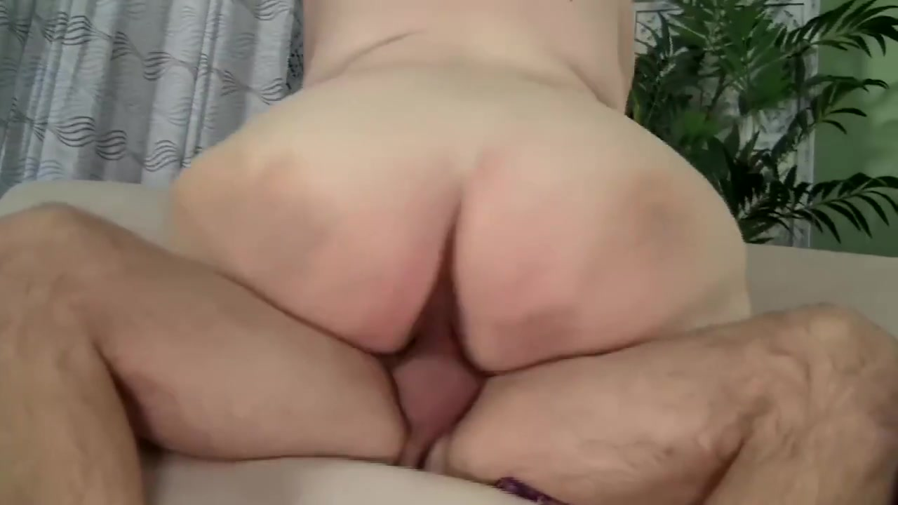 Tattooed lezzie pussylicked and fingered Porn archive