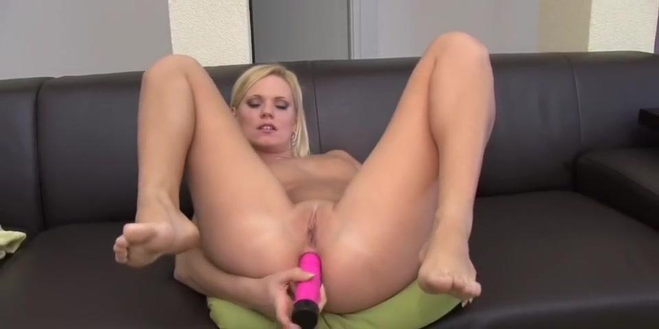Naked 18+ Gallery Hot arab milfs orgasms
