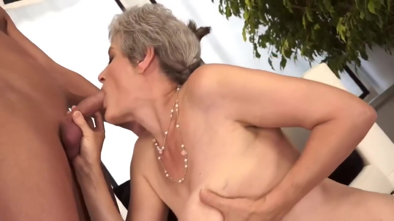 Milf blonde porno Naked Porn tube