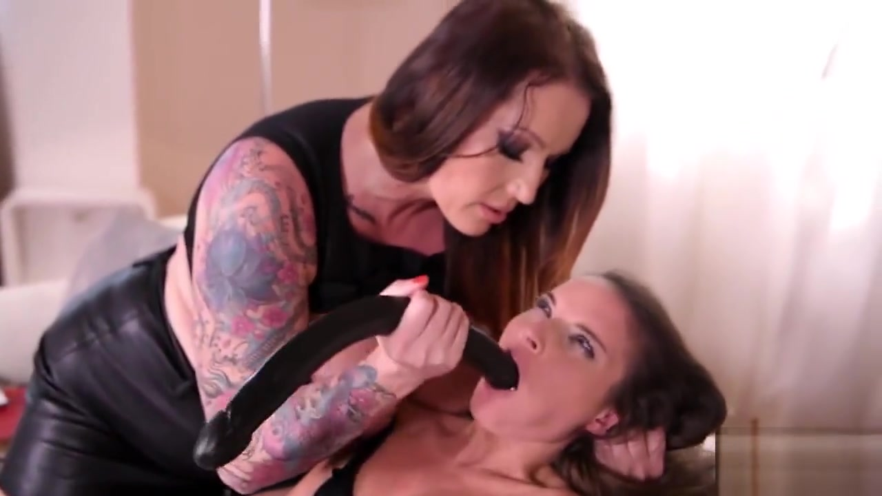 Russian lesbiian porno masturbated