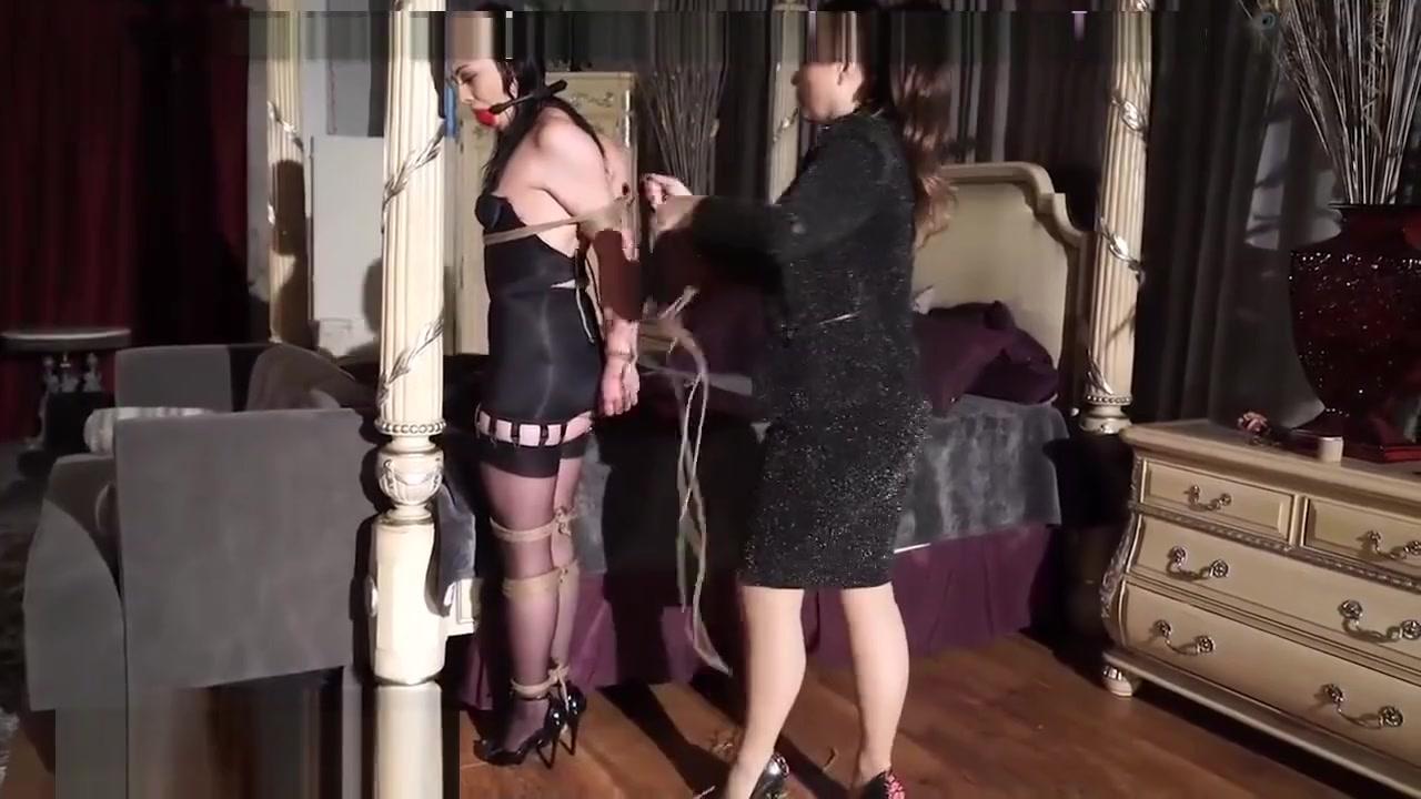 Pornos clit Lesbiam masturbatian