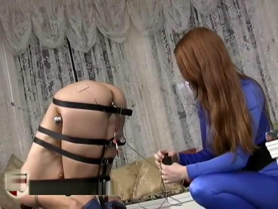 Lesbea licking Arab porn