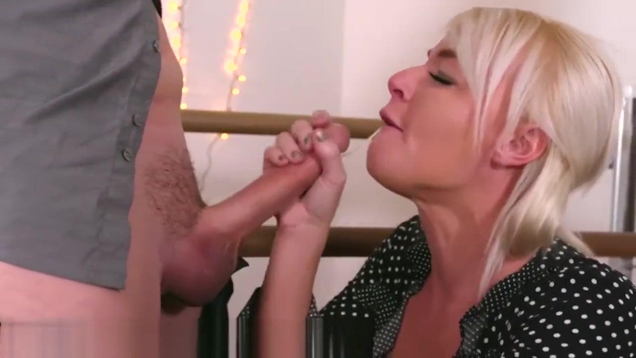 Porn Base Pocelujte nevestu online dating