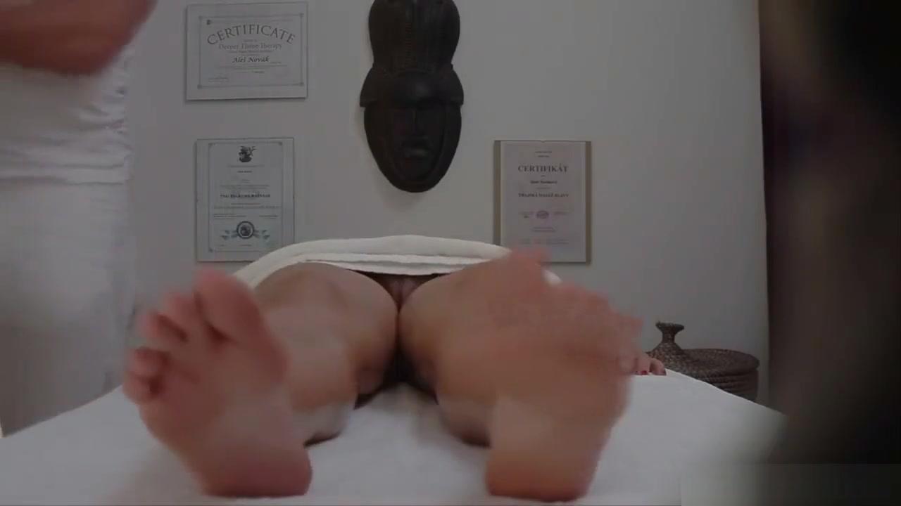Amateur lesbian hidden camera XXX Photo