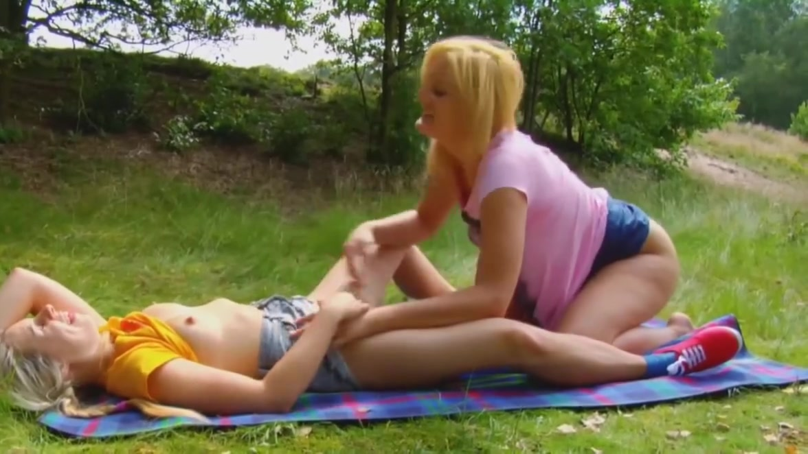 Movie Lesbianx fucker licking