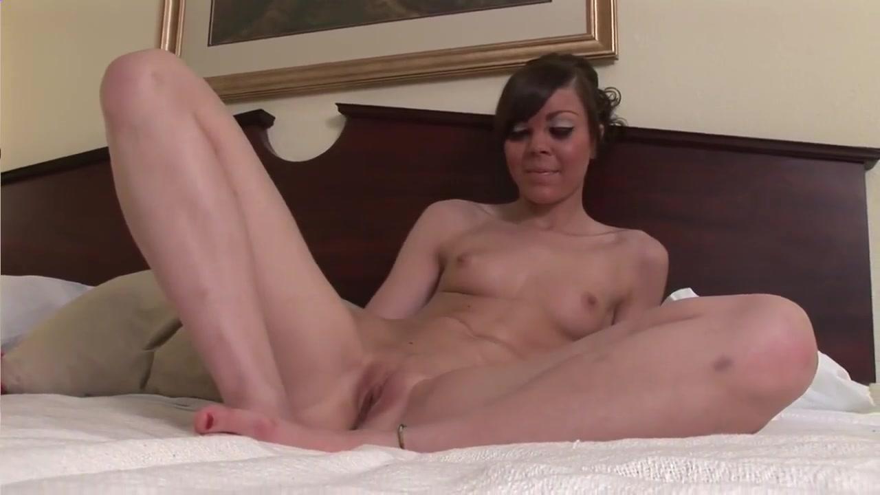 Hot xXx Video Mature women masturbating solo