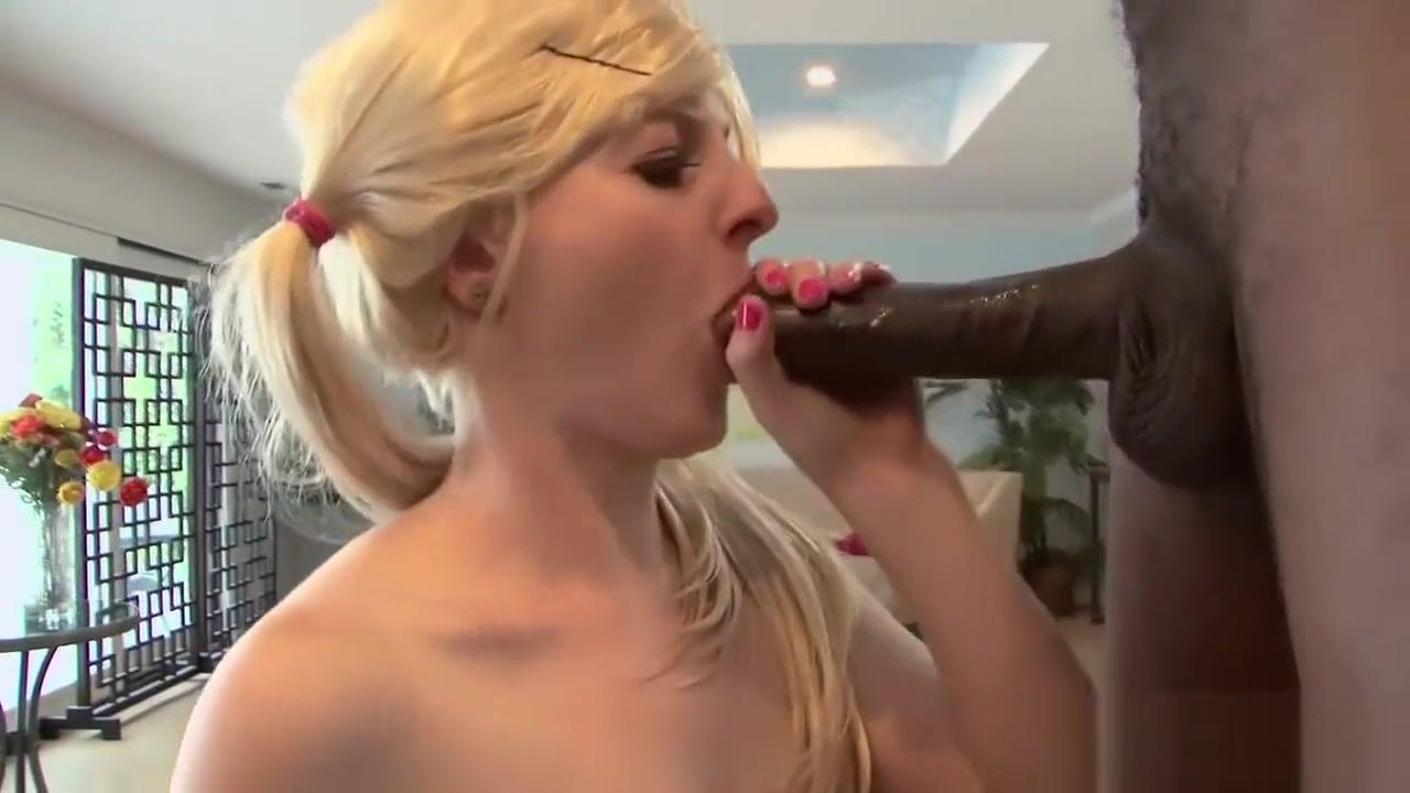 Hot studs kissing Porn Pics & Movies