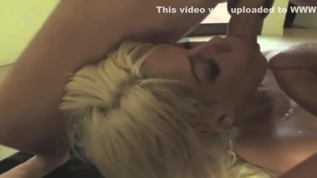 Skinny guy hookup a curvy woman Pron Videos