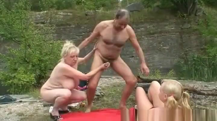 Hot Nude Korean girl dating indian guy from short