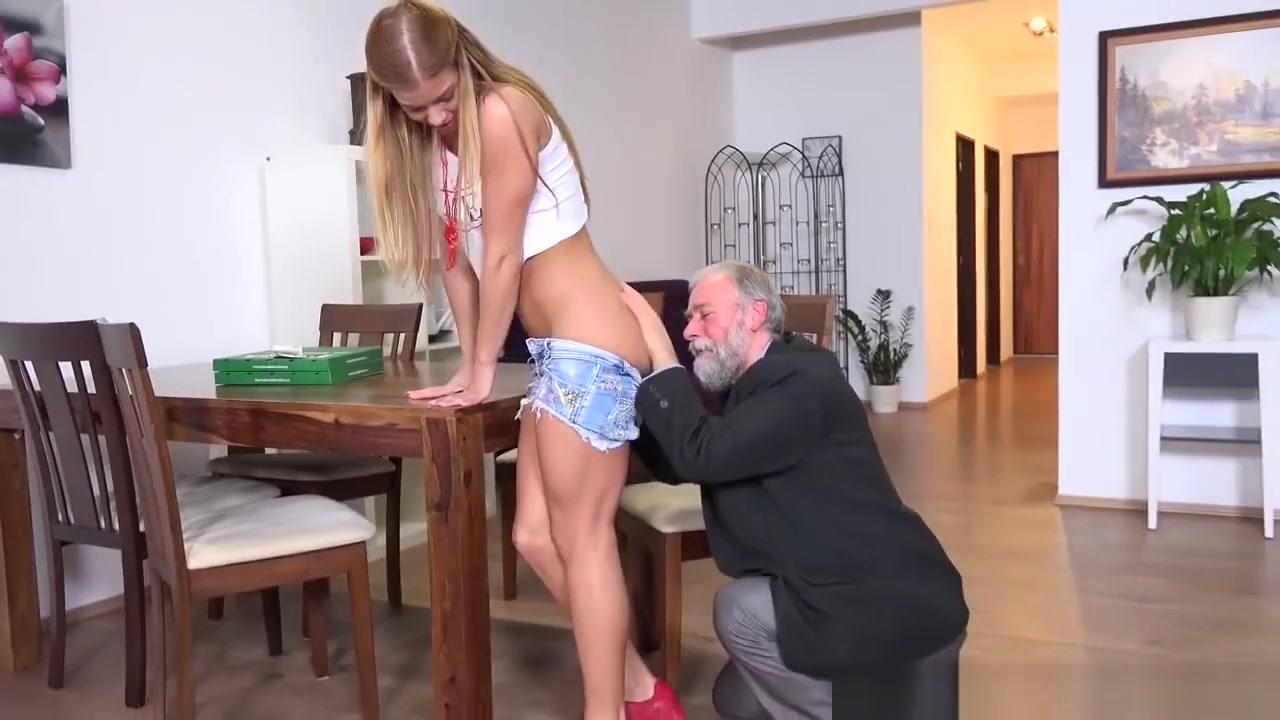 Porn tube Blowjob wearing condom