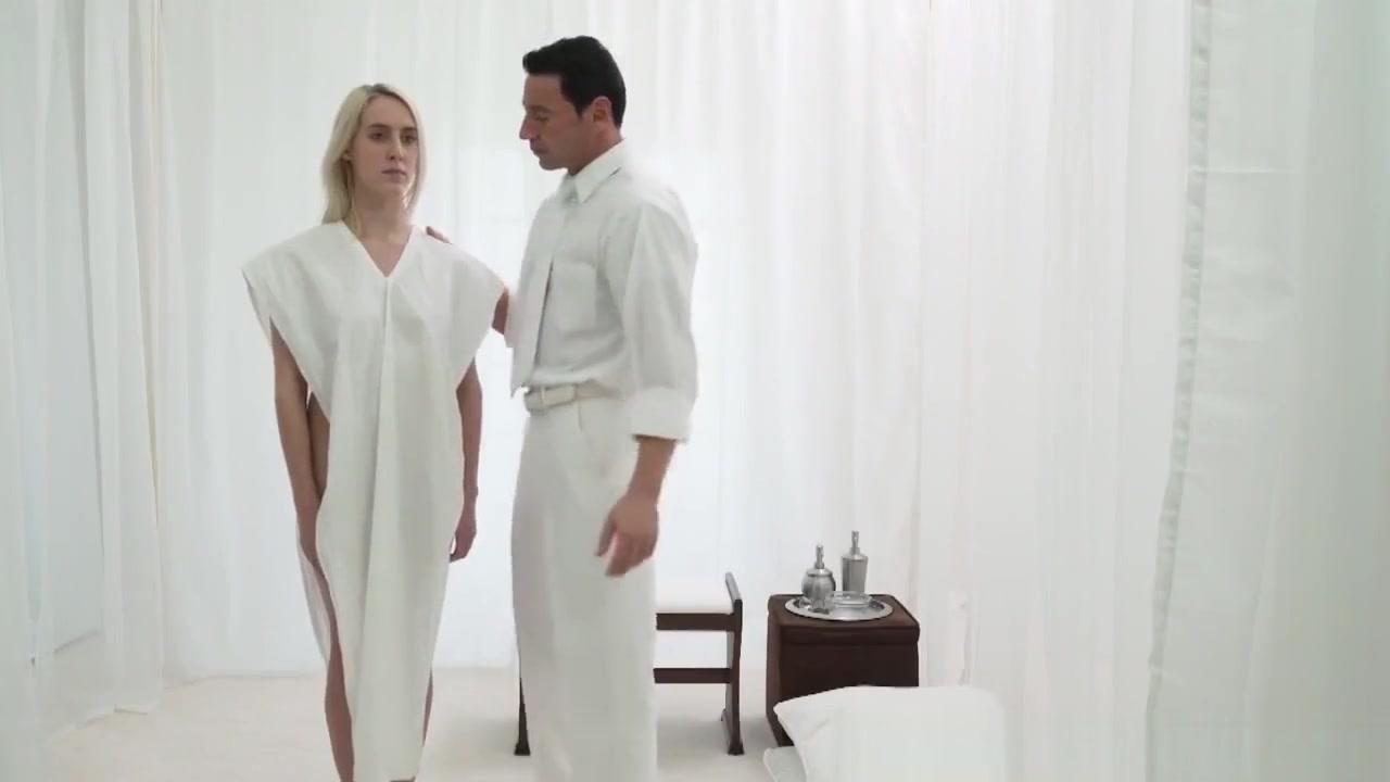 Far Female Naked Porn tube