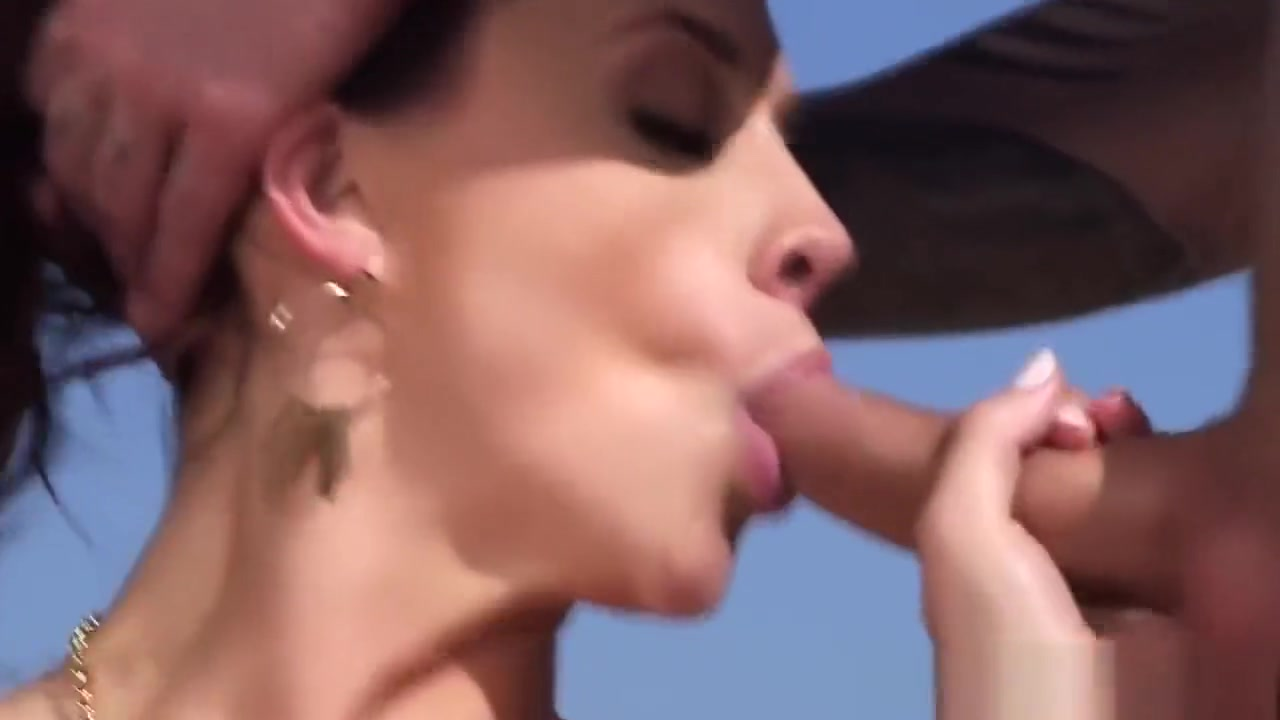 Adult gallery Riya Sen Kissing Scene