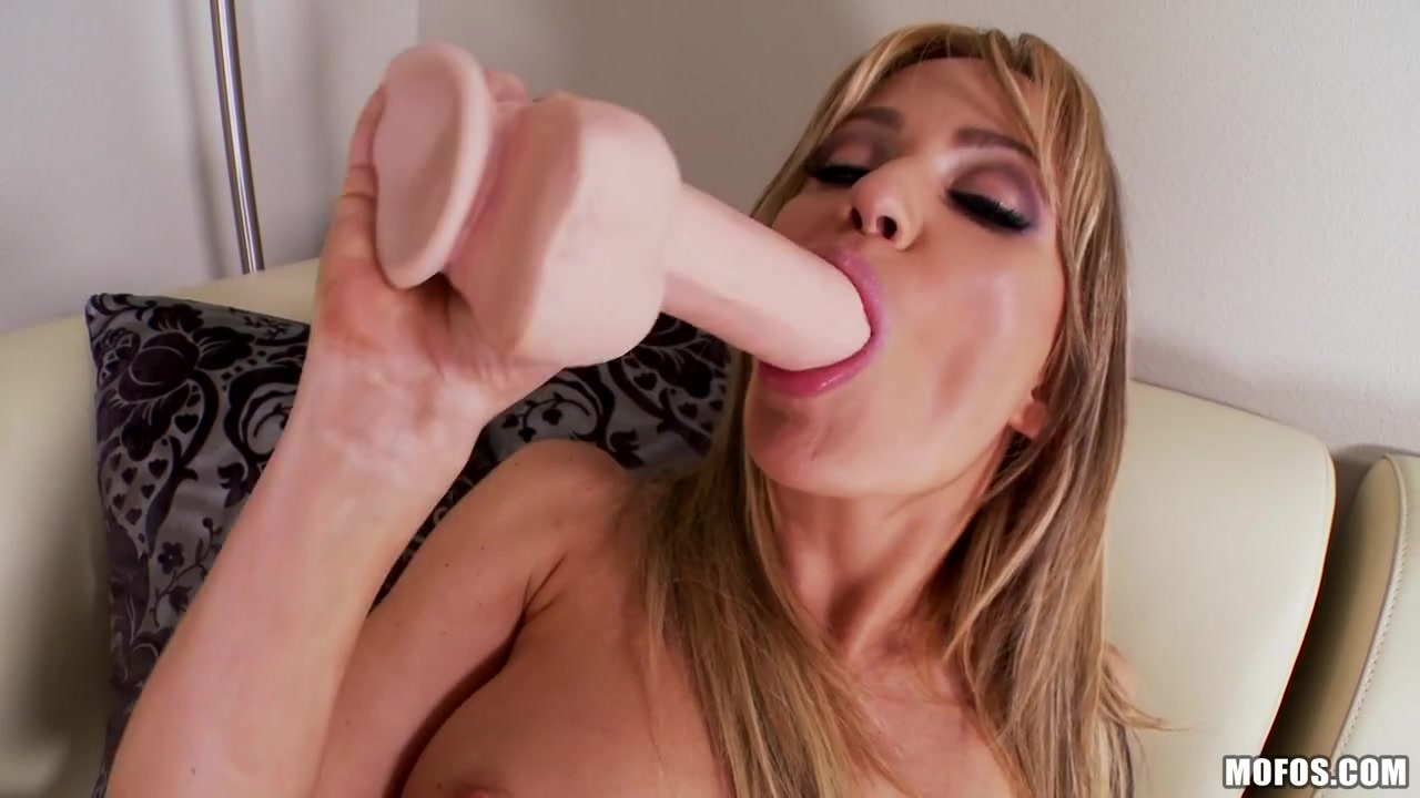 Shemale female double penetration Sexy xxx video
