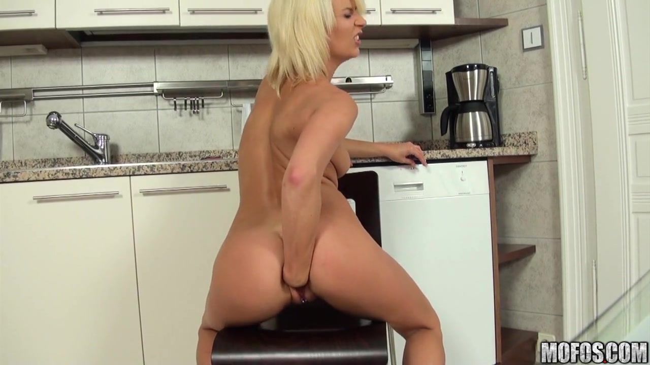 Hot xXx Video Spanking hot chicks