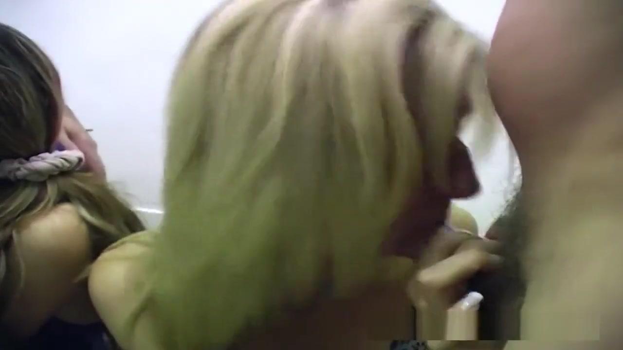 Nude photos Ebony milf sucking a huge cock