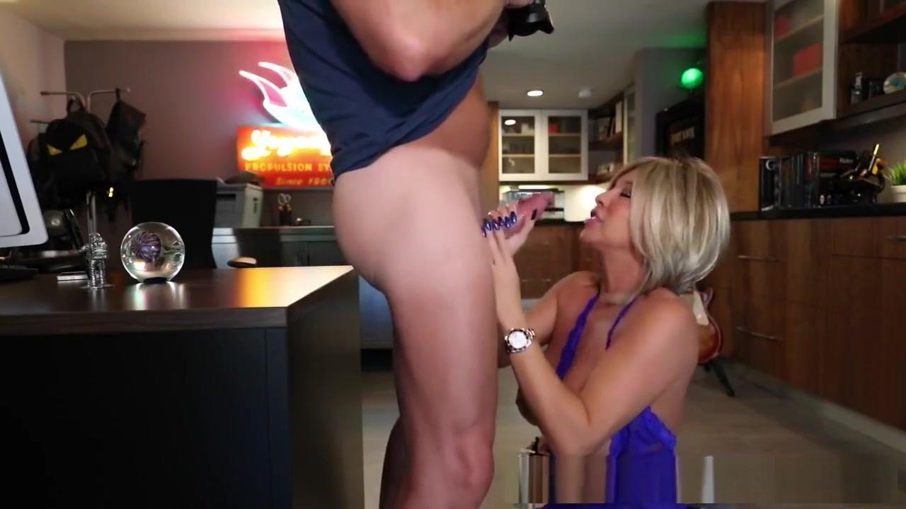 Adult video dump milf milfsitting Naked FuckBook