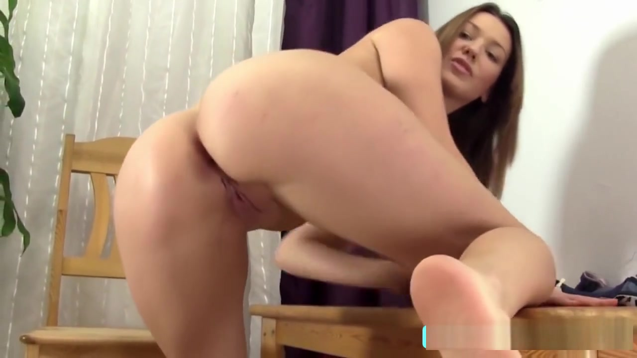 Real masseuse licks babe Porn Pics & Movies