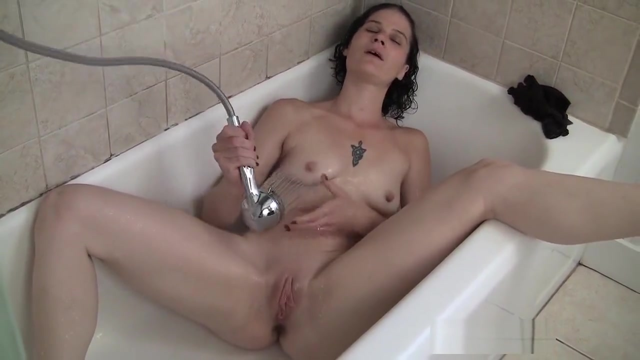 Naked xXx Accidental boob flashes