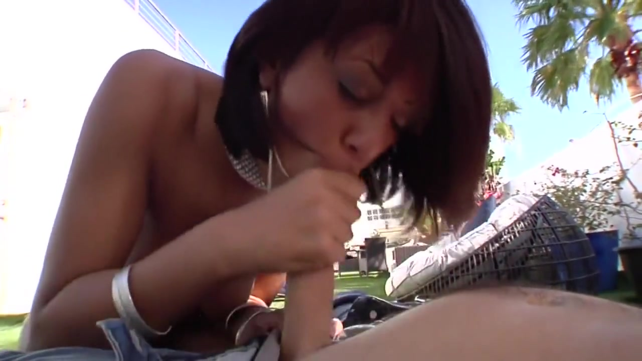 Les Carmen Caliente Plays WIth Vanessa Veracruz Quality porn